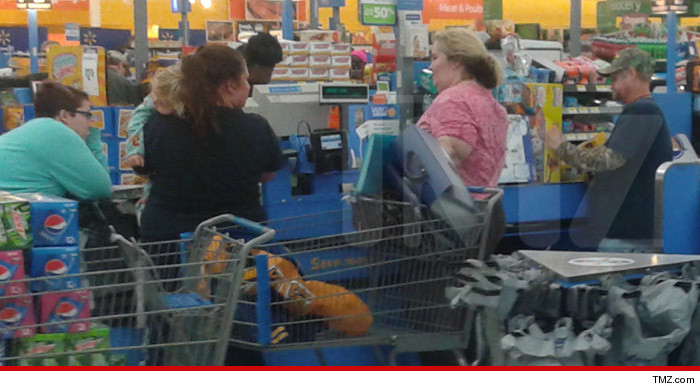 1224-honey-boo-boo-walmart-TMZ-02