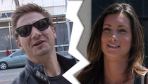 Jeremy Renner -- Wife Demanding Divorce ... And Her Passport