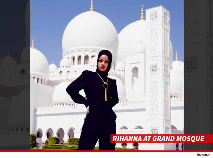 1231-sub-rihanna-grand-mosque-instagram-01