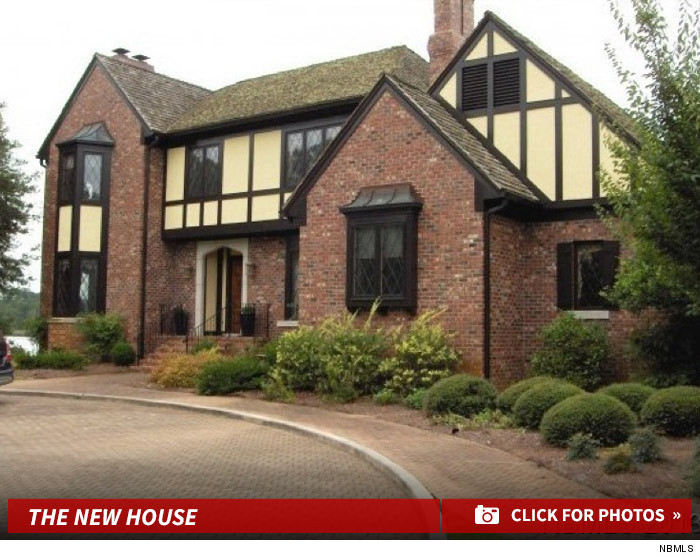 Nicholas sparks wife has moved out and moved on for Catherines house