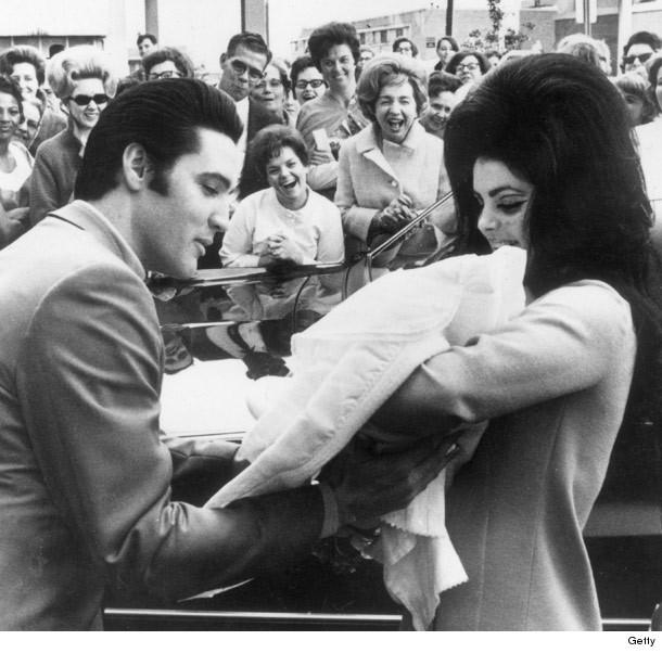 Priscilla Lisa Marie Presley Family Celebrate Elvis Presley 39 S 80th Birthday In Memphis