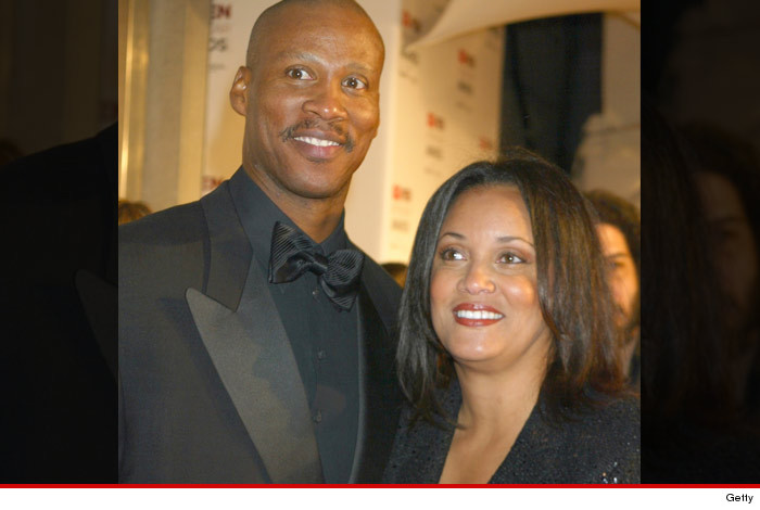 0113_BYRON_SCOTT_AND_WIFE_getty
