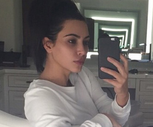 Kim Kardashian Shares Makeup-Free Selfie & The Secret To Her Relationship With Kanye