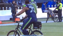 Seahawks' Michael Bennett -- Cops Cool with Police Bike Celebration