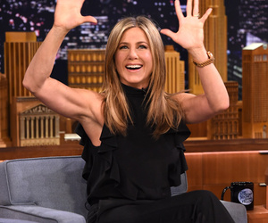 "Jennifer Aniston Plays ""Lip Flip"" With Jimmy Fallon, Talks Super Bowl & Weed!"