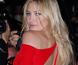 Kate Hudson Stuns in Sexy Red Cut-Out Dress Durin