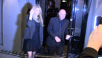 Courtney Love -- Hooks a Shark ... Date or a Deal with Kevin O'Leary?