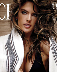 "Alessandra Ambrosio Flaunts Famous Bod, Says Victoria's Secret Angels Actually ""Get Along"""