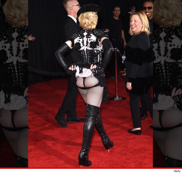 0209-madonna-grammys-flash-getty