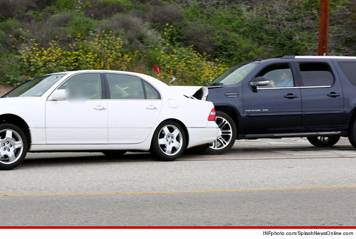 0212_bruce_jenner_crash_splash