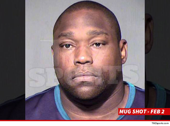 0202-warren-sapp-mug-wm-w-DATE-3