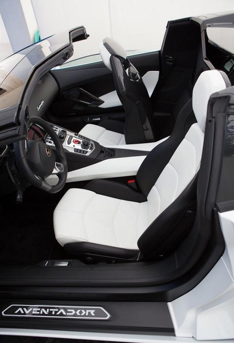 Pauly D Buys Dan Bilzerian S Lamborghini Photo 11