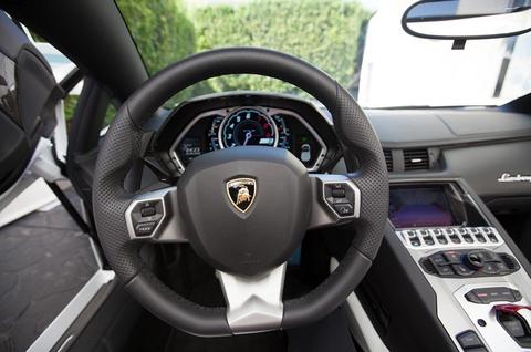 Pauly D Buys Dan Bilzerian S Lamborghini Photo 15