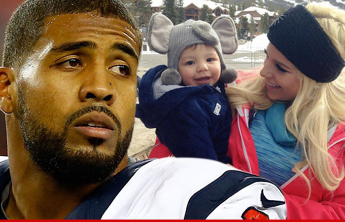 0218_arian-foster_brittany-norwood_GETTY_TWITTER
