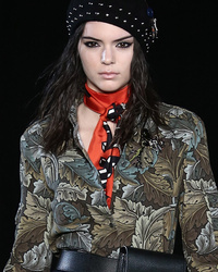 Kendall Jenner Gets Bullied By Other Models at NYFW -- See The Proof!