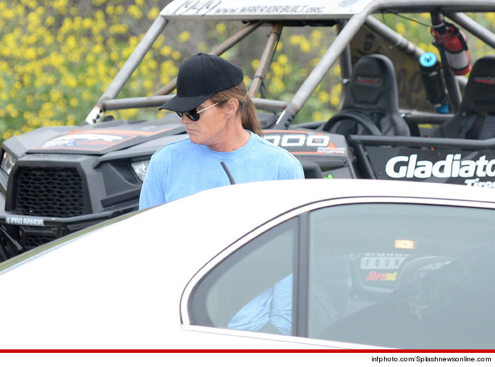 0224_bruce_jenner_crash_splash