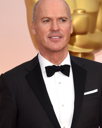 Michael Keaton Caught Putting Speech Away After Losing Best Actor at 2015 Oscars