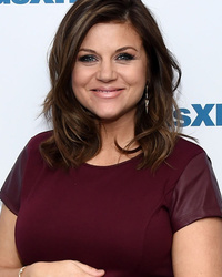 Tiffani Thiessen Flaunts Baby Bump -- See the Adorable Pic!