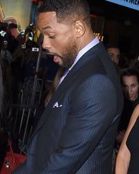 "Will Smith Shows Major PDA With Jada Pinkett-Smith At ""Focus"" Premiere"