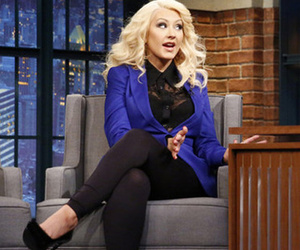 "See Christina Aguilera Bust Out Her Famous ""Sex and the City"" Impression"