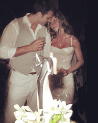 Gisele Bundchen Celebrates Anniversary With Throwback Wedding Pic!