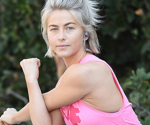 Julianne Hough Enjoys A Workout Sans Makeup -- See Her Fresh-Face!