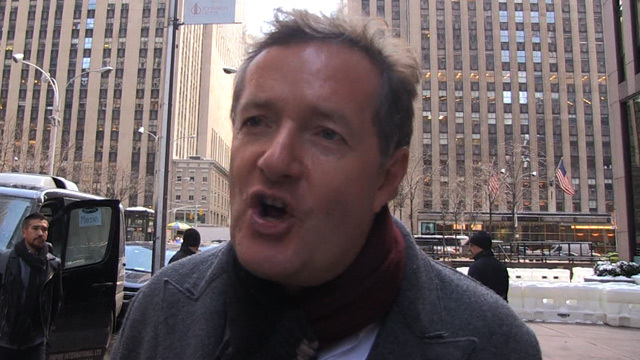 Piers Morgan I Ve Known Lupita S Dress Was Fake Since