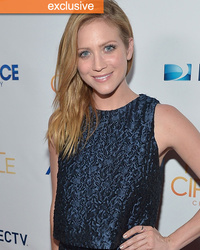 Brittany Snow Gets The Boot in Hilarious Lipton Promo, Says She's Been Dissed By A Director Before!