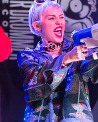 Miley Cyrus Gives Surprise SXSW Performance Amid Patrick Schwarzenegger Drama