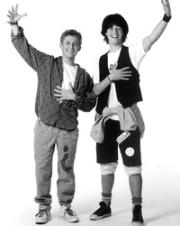 """Bill & Ted"" Star Alex Winter Opens Up About Silk Road Documentary & Working with Keanu Again"
