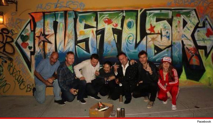 0326-SUB-david-arquette-graffiti-FACEBOOK-01