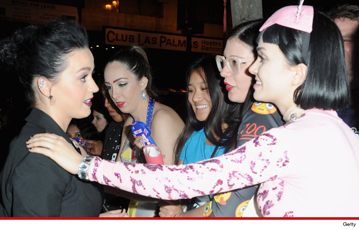 0327_katy_perry_lookalike_getty