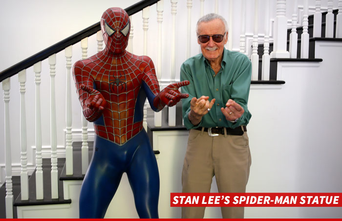 0327-stan-lee-spider-man-statue-01