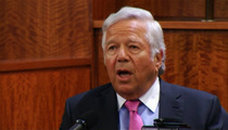 Pats Owner Robert Kraft -- Aaron Hernandez Told Me He's Innocent