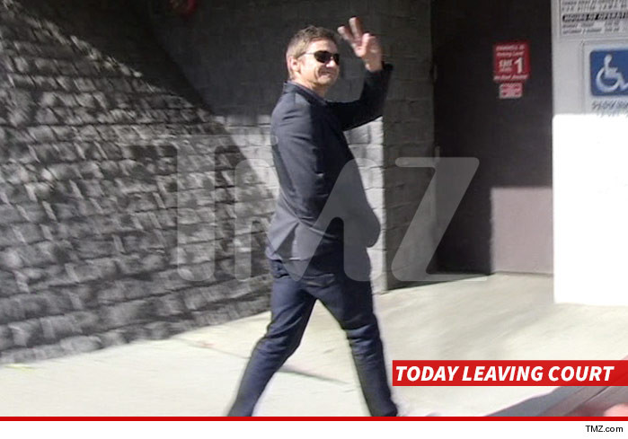 0401-jeremy-renner-leaving-court-tmz-01