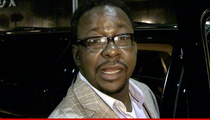 Bobby Brown -- Back to Life at Karaoke Night ... No Talk of Bobbi Kristina