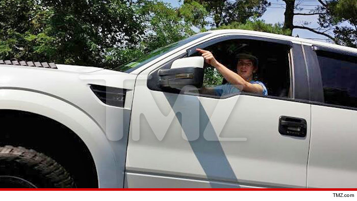 0414-CAR-SUB-WATERMARK-dina-michael-lohan-tmz-02