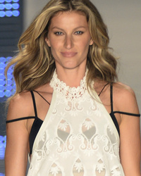 Gisele Bundchen Walks Final Runway -- See Tom Brady's Special Message to Her!