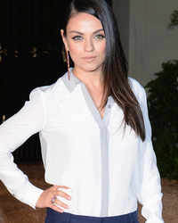 Mila Kunis Shows Off Super Slim Post-Baby Bod, While Jaime King Flaunts Bump at Burberry Event