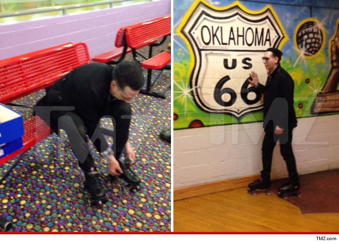Marilyn Manson Rollerskating
