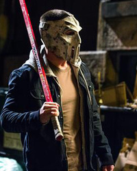 "See First Official Photo of Stephen Amell as Casey Jones In ""TMNT 2,"" Mask and All!"