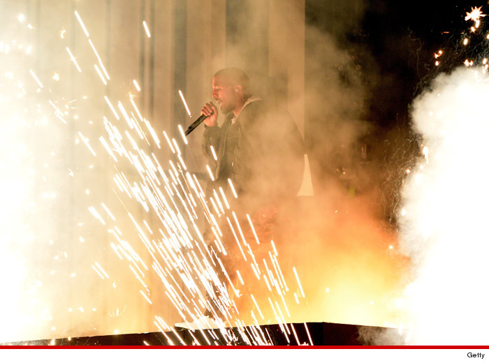0519_kanye_west_performing_getty3_no-arrow