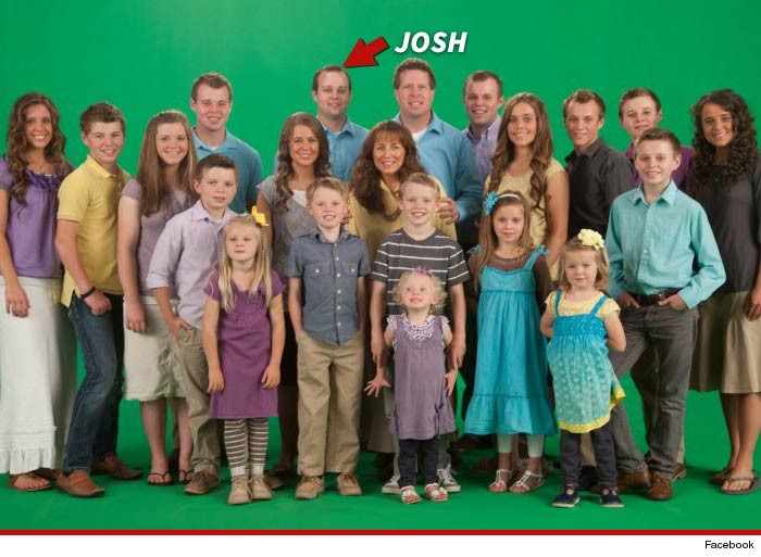 0521-duggar-family-02-facebook