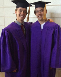 """Suite Life"" Stars Dylan and Cole Sprouse Graduate From NYU -- See The Cute Pics!"