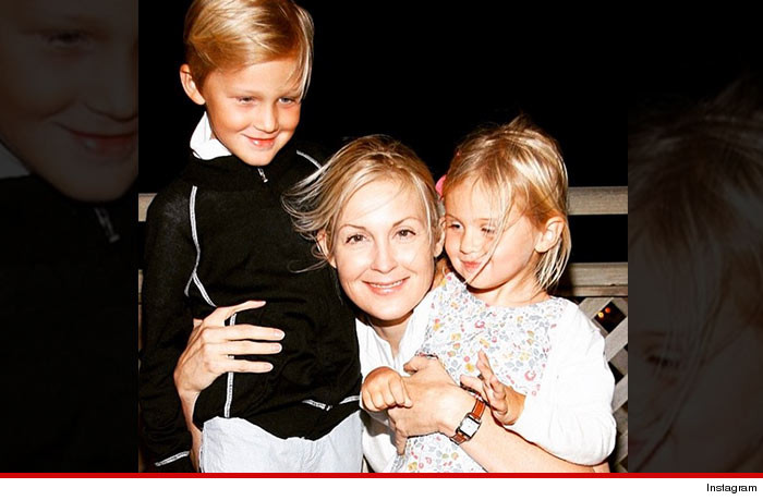 0524-kelly-rutherford-kids-INSTAGRAM-01