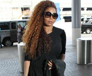 Janet Jackson Steps Out with Billionaire Hubby at LAX ... and She Looks Gooooood!