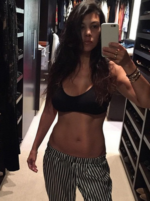 Kourtney Kardashian Shows Off Incredible Weight Loss by Baring Belly