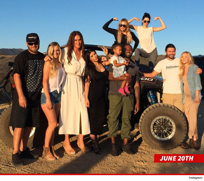 0623-caitlyn-jenner-family-fathers-day-instagram-4