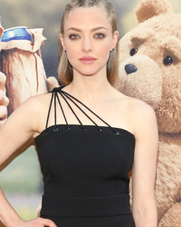 Amanda Seyfried Rocks Crazy Cornrows at 'Ted 2' Premiere