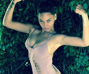 Beyonce Shows Off Hot Bod in Pink Swimsuit, Shares Cute Video Of Jay Z and Blue Ivy
